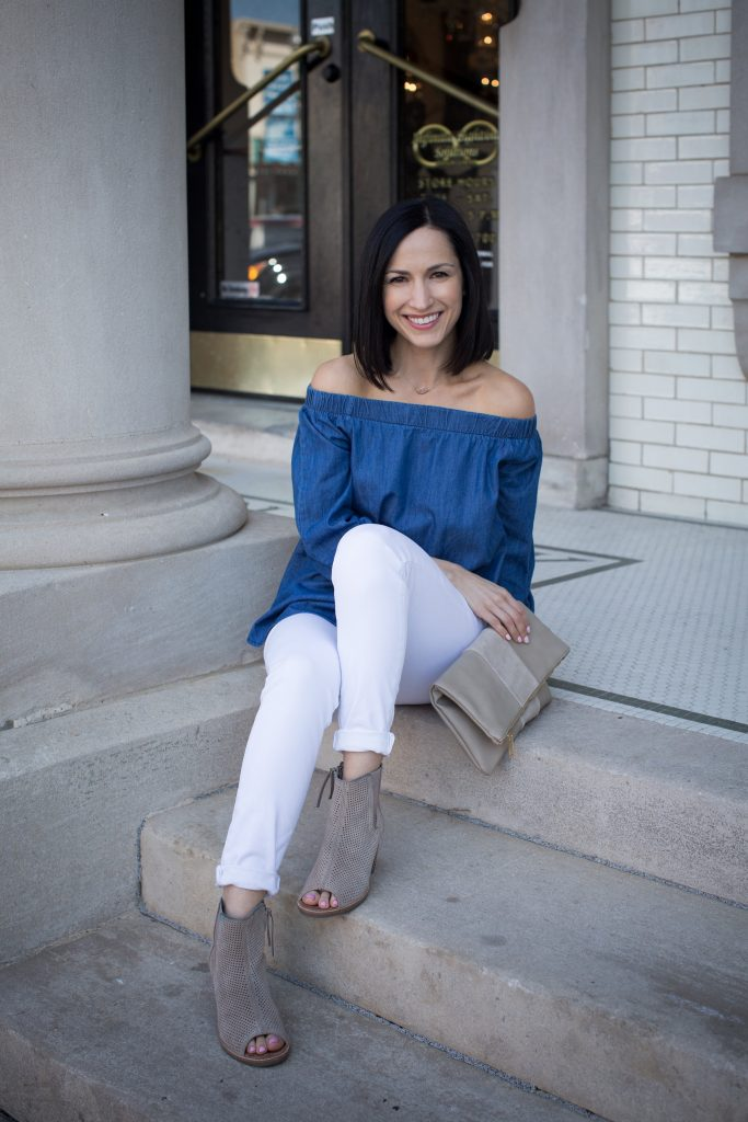 How to style an off shoulder top. White jeans are the perfect pairing for spring!
