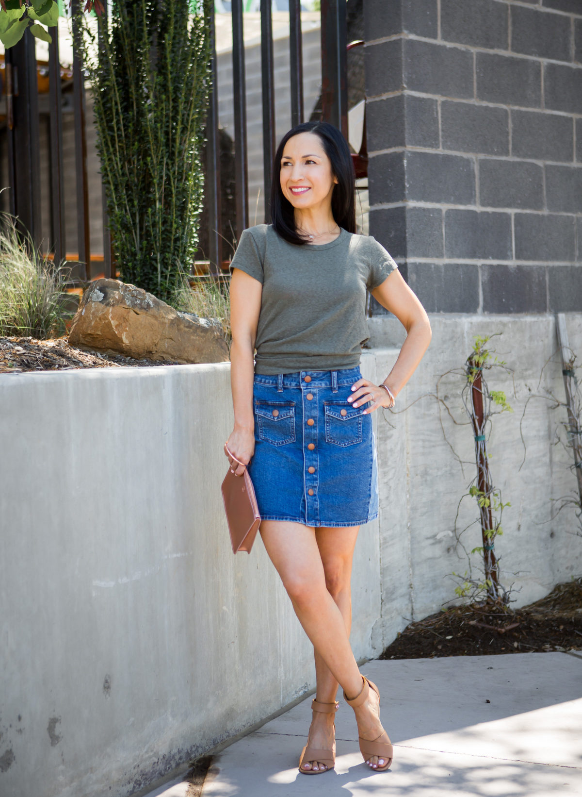 Madewell Denim Skirt and tie back tee, casual summer outfit