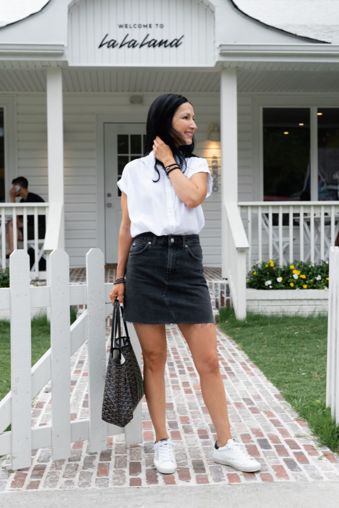 how to style a black denim skirt and white button down